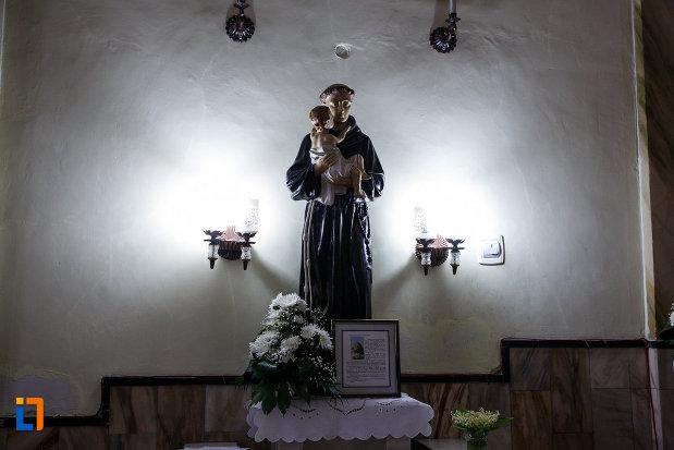 statuie-aflata-in-biserica-sf-anton-din-ramnicu-valcea-judetul-valcea.jpg