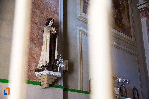 statuie-capela-romano-catolica-din-alba-iulia-judetul-alba.jpg