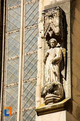 statuie-de-la-biserica-neagra-1383-1477-din-brasov-judetul-brasov.jpg