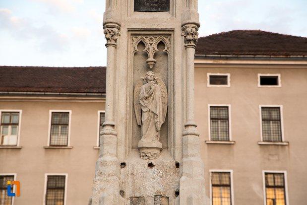statuie-de-pe-monumentul-losenau-din-alba-iulia-judetul-alba.jpg