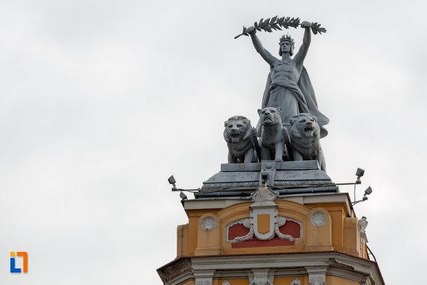 statuie-de-pe-turn-teatrul-national-din-cluj-napoca-judetul-cluj.jpg