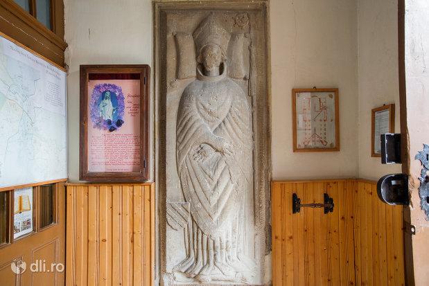 statuie-din-bazilica-romano-catolica-din-oradea-judetul-bihor.jpg