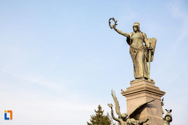 statuie-din-cadrul-monumentului-libertatii-din-arad-judetul-arad.jpg