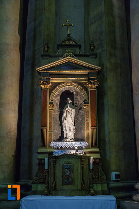 statuie-din-catedrala-romano-catolica-din-arad-judetul-arad.jpg