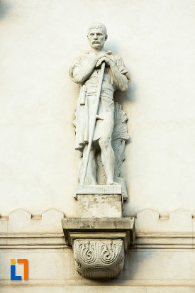 statuie-din-exterior-palatul-administrativ-prefectura-judetului-galati.jpg