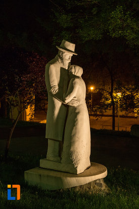 statuie-din-gradina-publica-sau-parcul-municipal-constantin-brancusi-din-targu-jiu-judetul-gorj.jpg