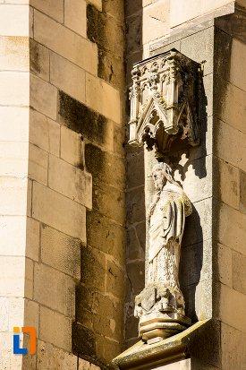 statuie-exterioara-biserica-neagra-1383-1477-din-brasov-judetul-brasov.jpg