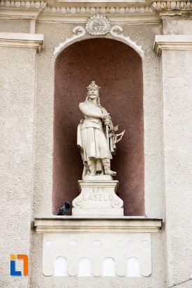 statuie-exterioara-biserica-sf-elisabeta-a-ungariei-manastirea-minorita-din-aiud-judetul-alba.jpg