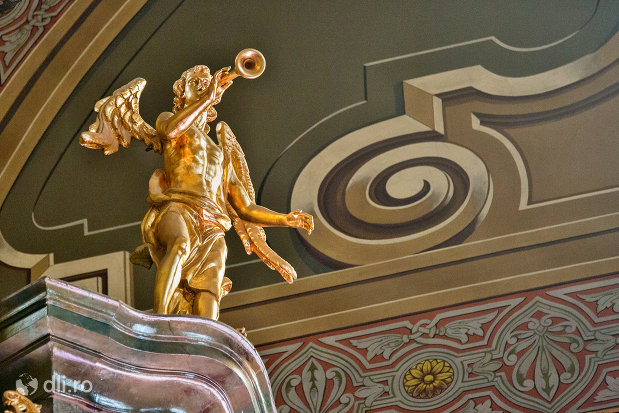 statuie-inger-din-bazilica-romano-catolica-din-oradea-judetul-bihor.jpg