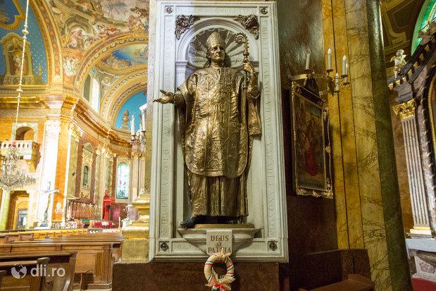 statuie-sfanta-bazilica-romano-catolica-din-oradea-judetul-bihor.jpg