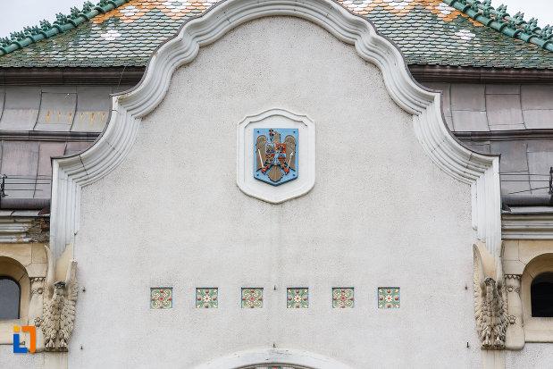 stema-de-la-fosta-primarie-a-municipiului-azi-prefectura-din-targu-mures-judetul-mures.jpg