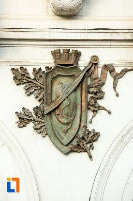 stema-de-pe-palatul-administrativ-prefectura-judetului-galati.jpg