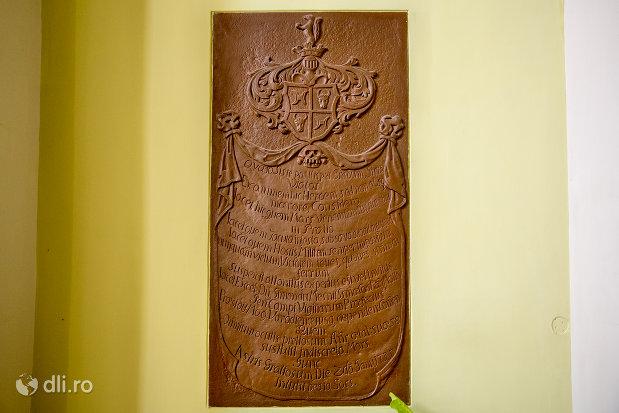 stema-din-biserica-romano-catolica-coborarea-sfantului-duh-din-oradea-judetul-bihor.jpg