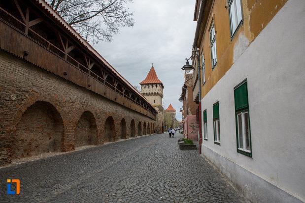 strada-cetatii-si-turnul-olarilor-din-sibiu-judetul-sibiu.jpg