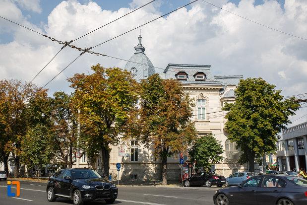 strada-cu-casa-ghita-stoenescu-1885-azi-clinica-din-ploiesti-judetul-prahova.jpg