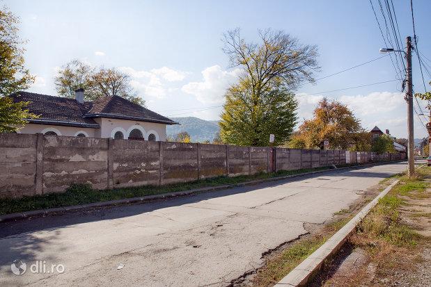 strada-cu-cimitirul-evreiesc-din-sighetu-marmatiei-judetul-maramures.jpg