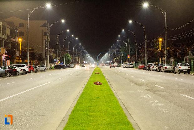 strada-iluminata-din-orasul-drobeta-turnu-severin-judetul-mehedinti.jpg