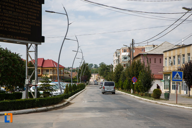 strada-principala-din-orasul-babadag-judetul-tulcea.jpg