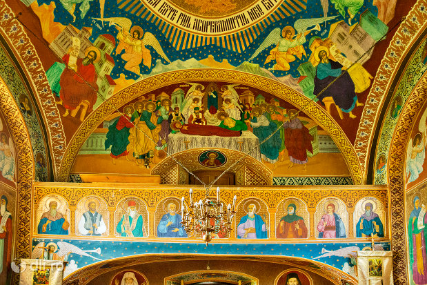 strana-din-manastirea-sfintii-apostoli-petru-si-pavel-din-bixad-judetul-satu-mare.jpg