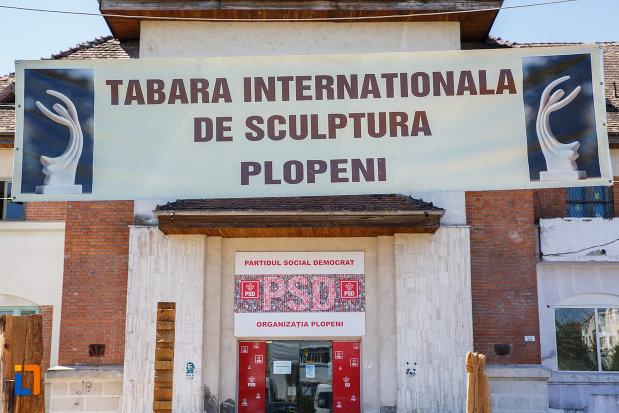 tabara-internationala-de-sculptura-orasul-plopeni-judetul-prahova.jpg