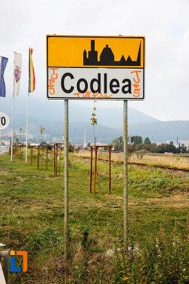 tablita-cu-orasul-codlea-judetul-brasov.jpg