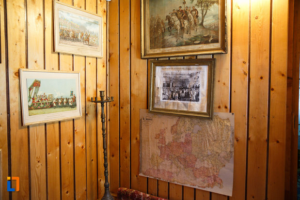 tablouri-expuse-la-biserica-muzeu-sf-ilie-biserica-noua-din-dragasani.jpg