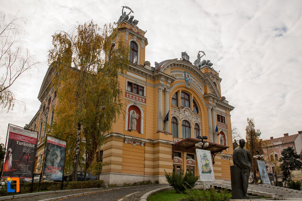 teatrul-national-din-cluj-napoca-judetul-cluj-vazut-din-lateral.jpg