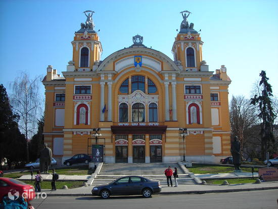 teatrul-national-din-cluj-napoca.jpg
