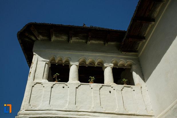 terasa-de-la-ansamblul-culei-greceanu-din-maldarasti-judetul-valcea.jpg