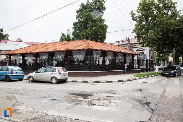 terasa-langa-casa-n-miltiade-azi-restaurant-din-giurgiu-judetul-giurgiu.jpg