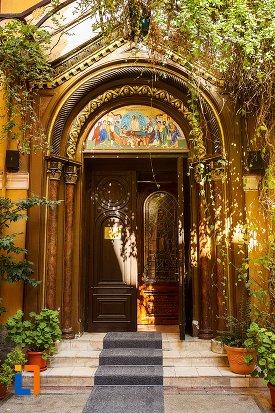 trepte-de-la-biserica-adormirea-maicii-domnului-din-brasov-judetul-brasov.jpg