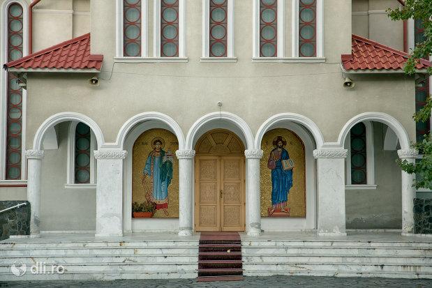 trepte-de-la-biserica-ortodoxa-sfantul-stefan-din-zalau-judetul-salaj.jpg