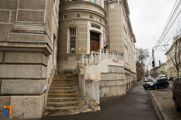 trepte-de-la-palatul-cultural-din-arad-judetul-arad.jpg