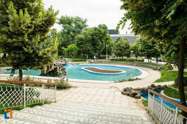 trepte-din-parcul-municipal-mihai-eminescu-din-galati-judetul-galati.jpg