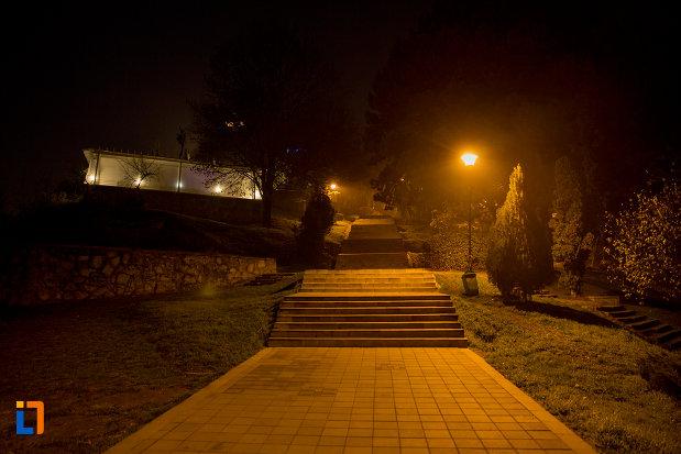 trepte-luminate-din-parcul-cetatuia-din-cluj-napoca-judetul-cluj.jpg
