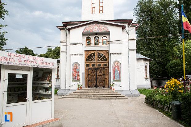 trepte-si-usa-de-la-biserica-inaltarea-domnului-din-giurgiu-judetul-giurgiu.jpg