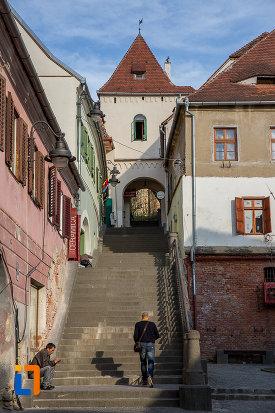 treptele-de-langa-turnul-scarilor-din-sibiu-judetul-sibiu.jpg