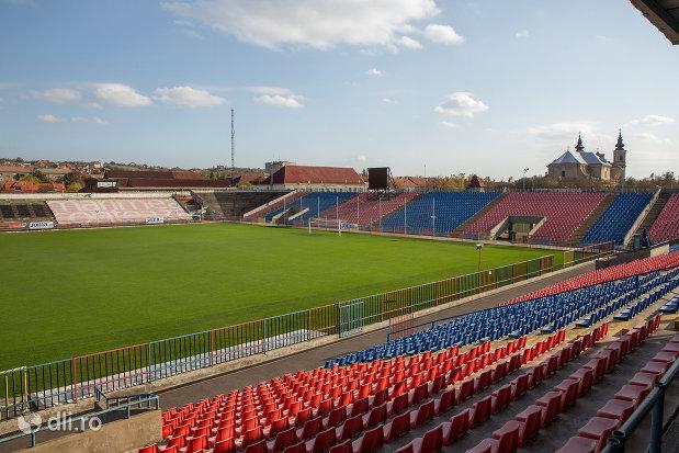 tribune-stadionul-iuliu-bodola-din-oradea-judetul-bihor.jpg