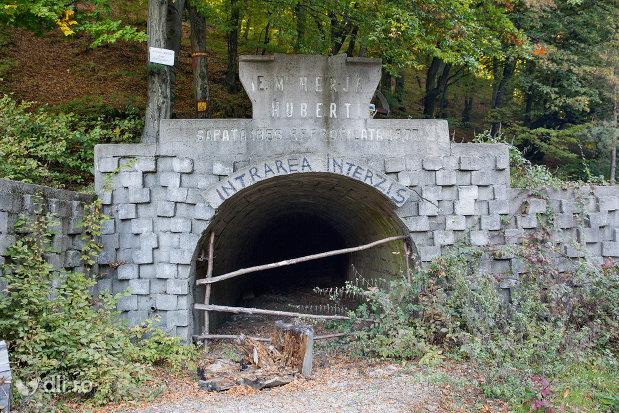 tunelul-em-herja-hubert-dintre-chiuzbaia-si-baia-sprie-judetul-maramures.jpg