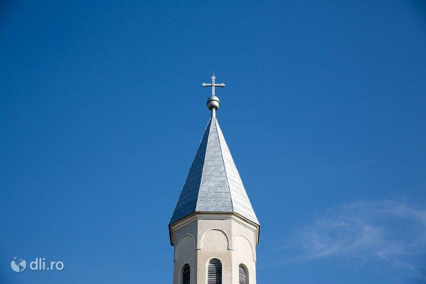 turn-biserica-ortodoxa-din-piscolt-judetul-satu-mare.jpg