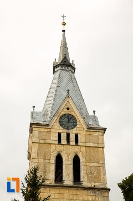 turn-cu-ceas-biserica-evanghelica-fortificata-din-codlea-judetul-brasov.jpg