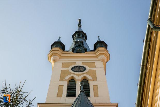 turn-cu-ceas-biserica-reformata-calvina-din-cluj-napoca-judetul-cluj.jpg