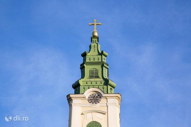 turn-cu-ceas-biserica-romano-catoloca-sf-ladislau-din-oradea-judetul-bihor.jpg