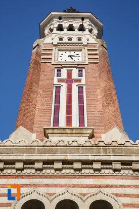 turn-cu-ceas-si-cruce-catedrala-sf-ioan-botezatorul-din-ploiesti-judetul-prahova.jpg