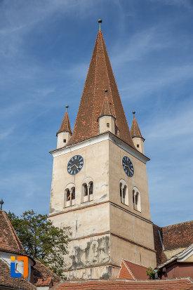 turn-cu-ceasuri-de-la-biserica-evanghelica-fortificata-din-cisnadie-judetul-sibiu.jpg