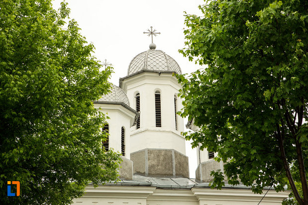 turn-cu-cruce-biserica-sf-nicolae-din-bailesti-judetul-dolj.jpg