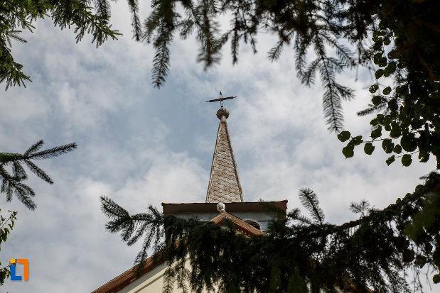 turn-cu-cruce-casa-patu-biserica-din-suceava-judetul-suceava.jpg