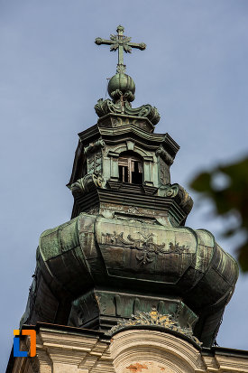 turn-cu-cruce-de-la-biserica-armeano-catolica-sf-elisabeta-din-dumbraveni-judetul-sibiu.jpg