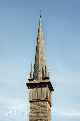 turn-cu-cruce-de-la-biserica-de-lemn-din-plopis-judetul-maramures.jpg
