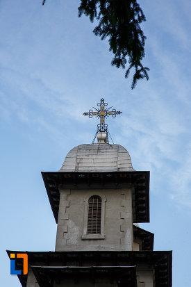 turn-cu-cruce-de-la-biserica-domneasca-nasterea-maicii-domnului-din-busteni-judetul-prahova.jpg